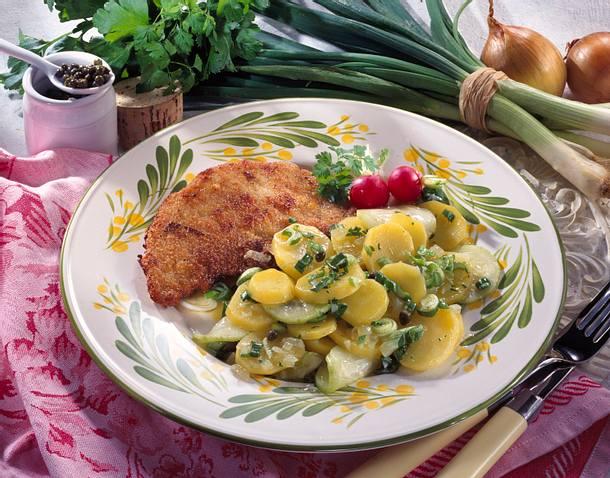 Kartoffel-Gurken-Salat & Schnitzel Wiener Art Rezept