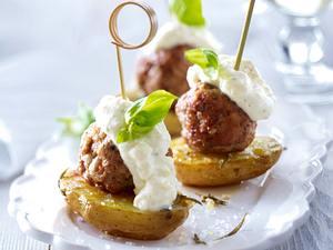 Kartoffel-Hack-Spießchen mit Dip Rezept