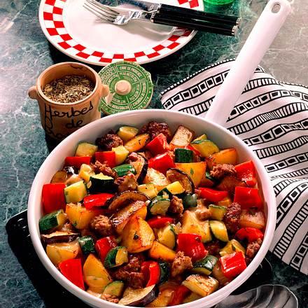 Kartoffel-Hackpfanne mit Gemüse Rezept
