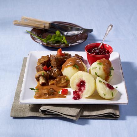 Kartoffel-Knödel mit Rindfleisch-Ragout Rezept