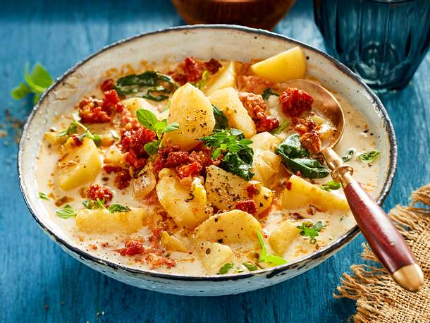 Kartoffel-Kokos-Suppe mit Salsiccia Rezept