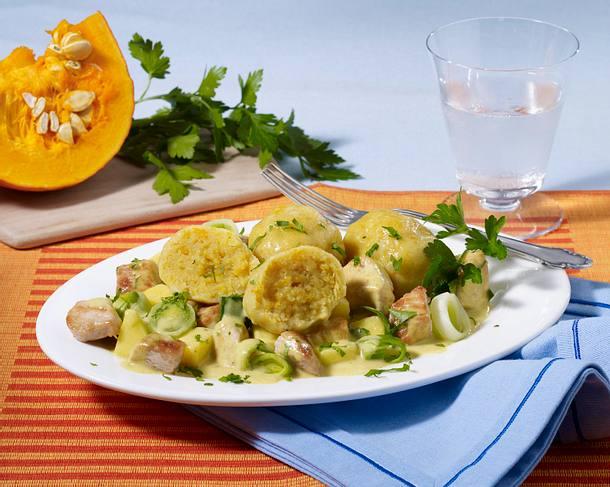 Kartoffel-Kürbis-Knödel mit Puten-Curry-Geschnetzeltem Rezept