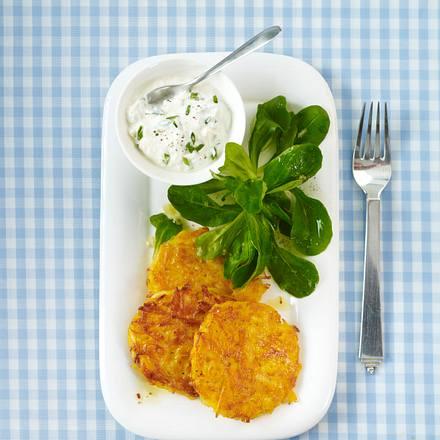 Kartoffel-Kürbis-Rösti mit Kräuterquark (Trennkost, Kohlenhydrat-Gericht) Rezept