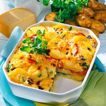 Kartoffel-Lasagne mit Spinat, gekochtem Schinken und Béchamelsoße Rezept