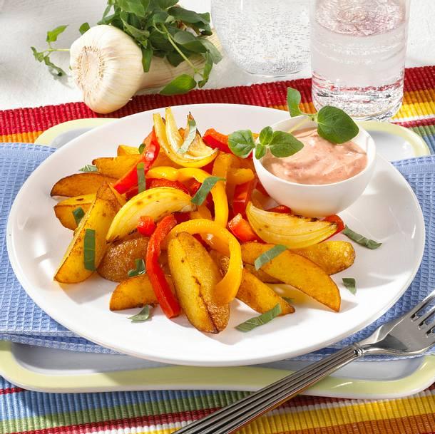 Kartoffel-Paprika-Pfanne mit Paprika-Quark Rezept