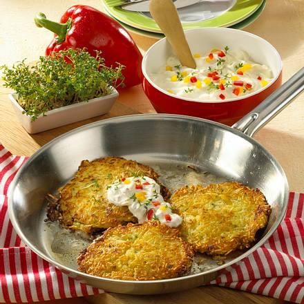 Kartoffel-Sauerkrautpuffer mit Paprikaschmand Rezept