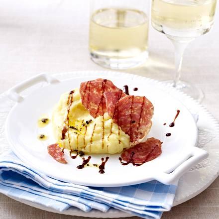 Kartoffel-Trüffelbutter-Püree mit gebratener Salsicce Rezept