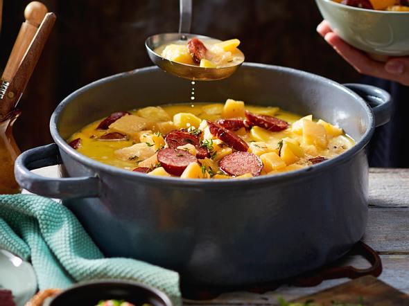 Kartoffel-Wurst-Eintopf mit scharfem Wasabi-Topping Rezept