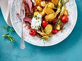 Kartoffel-Zucchini-Mozzarella Salat mit Joghurtdressing Rezept
