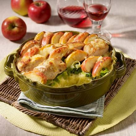 Kartoffelauflauf mit Äpfeln, Hähnchenfilet und Thymian-Bechamel Rezept