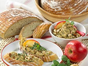 Kartoffelbrot & Apfel-Zwiebel-Aufstrich Rezept
