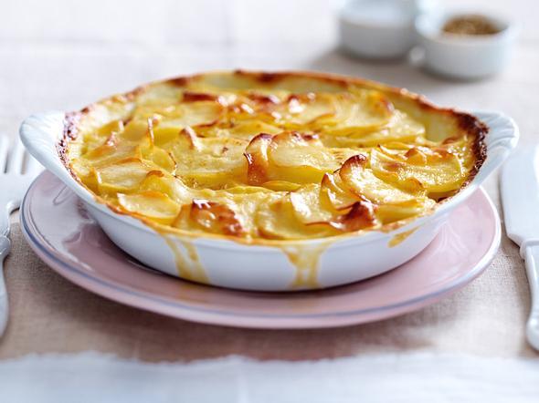 Kartoffelauflauf - herzhafte Ofen-Klassiker | LECKER