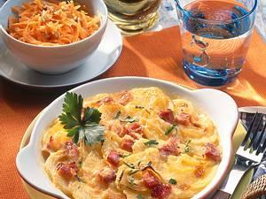 Kartoffelgratin und Möhren-Rohkost Rezept