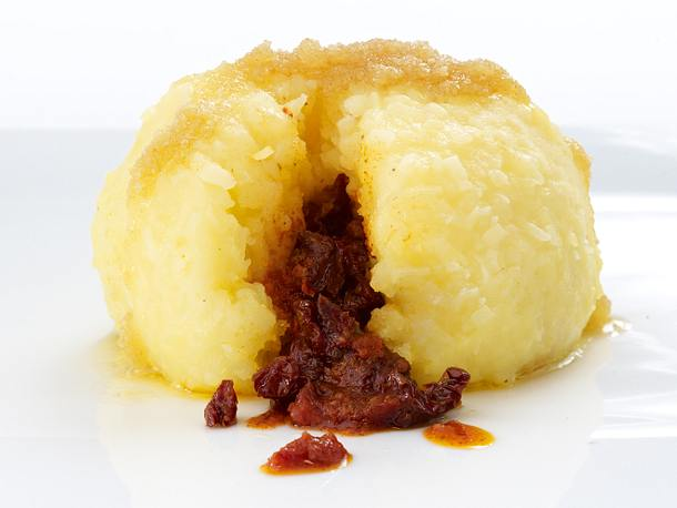 Kartoffelknödel mit getrockneten Tomaten und rotem Pesto Rezept