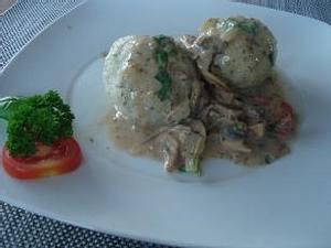 Kartoffelknödel mit Majoran Rezept
