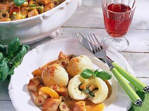 Kartoffelknödel zu süß-saurem Ragout Rezept