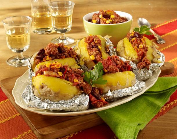 Kartoffeln mit Chili-Füllung Rezept