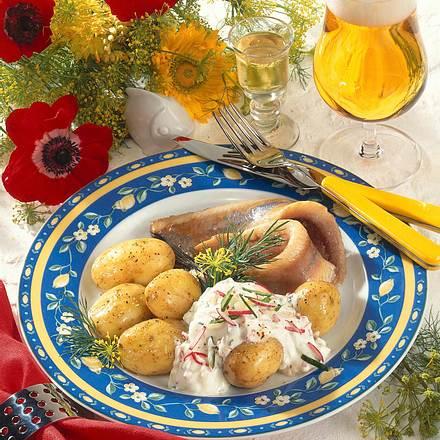 Kartoffeln mit Frühlingsquark Rezept