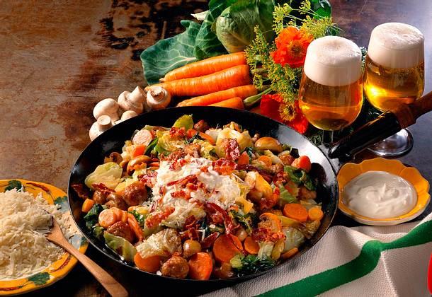 Kartoffelpfanne mit Möhren und Champignons Rezept