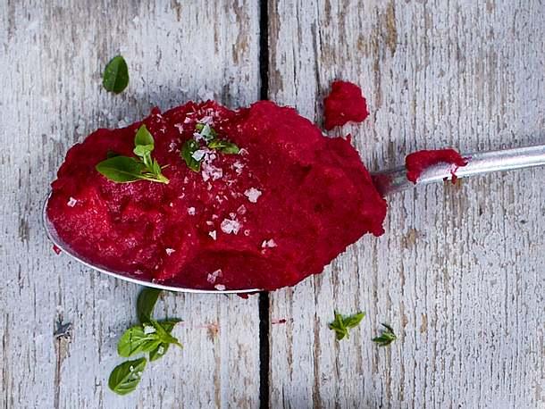 Kartoffelpüree mit Roten Beeten und Meerrettich