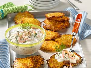 Kartoffelpuffer mit Krabben-Dillrahm Rezept
