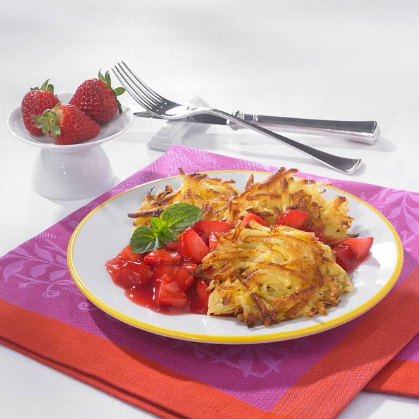 Kartoffelrösti mit Erdbeerkompott Rezept