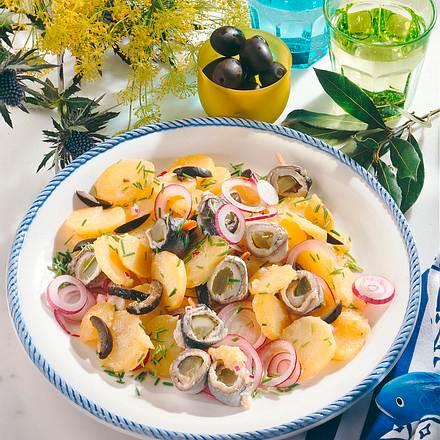 Kartoffelsalat mit Bismarck-Röllchen Rezept