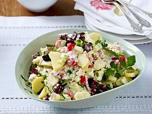 Kartoffelsalat mit buntem Gemüse und Blutwurst Rezept