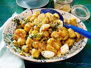 Kartoffelsalat mit Ei und Senf-Honig-Vinaigrette Rezept-Kartoffelsalat mit Ei und Senf-Honig-Vinaigrette
