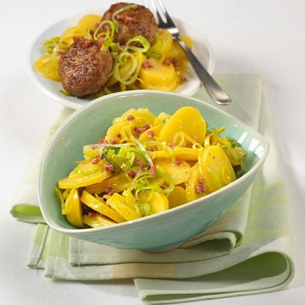 Kartoffelsalat mit Frikadellen Rezept