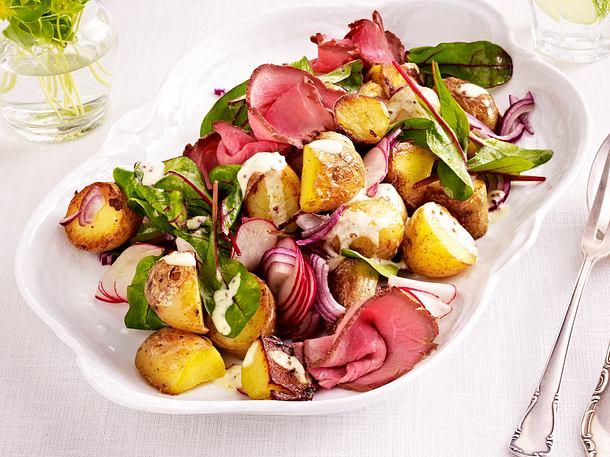 Kartoffelsalat mit Mangold, Roastbeef, Radieschen und Senfdressing Rezept