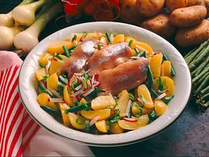 Kartoffelsalat mit Matjesfilets Rezept