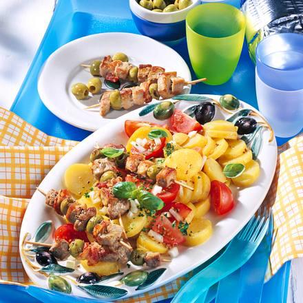 Kartoffelsalat mit Schnitzelspießen Rezept