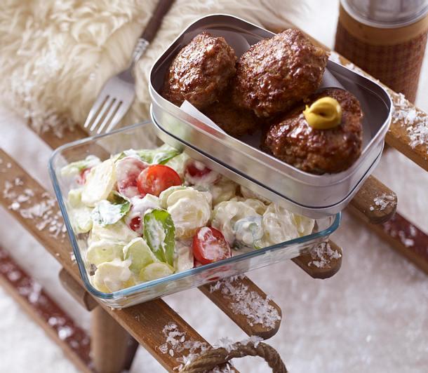 Kartoffelsalat und Frikadellen Rezept