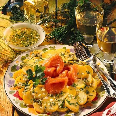 Kartoffelsalat und Lachs (für 1 Person) Rezept