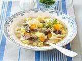 Kartoffelschnitz und Spätzle (Rinderbrühe mit Spätzle) Rezept