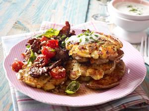 Kartoffelschnitzelchen mit Steakstreifen und Wildkräuterdip Rezept