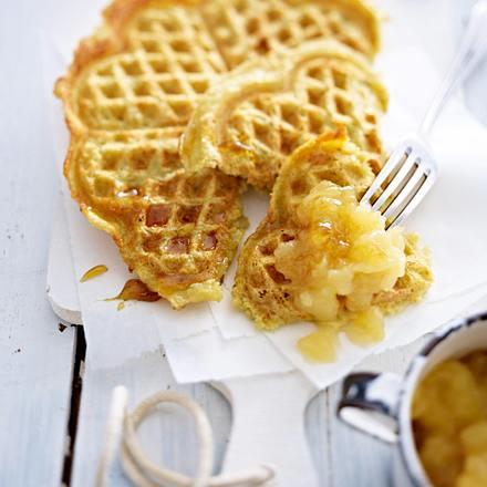 Kartoffelwaffeln mit Apfelkompott Rezept