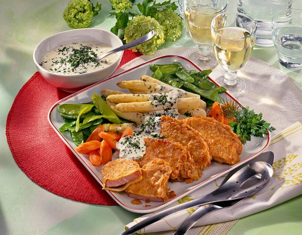 Kasseler mit grüner Soße und Gemüse Rezept