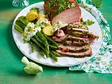 Kasseler mit grüner Soße und Spargel Rezept