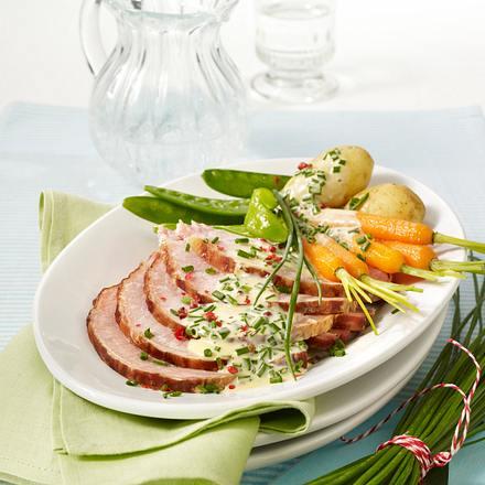 Kasseler pochiert mit Bouillongemüse und Schnittlauchsoße Rezept