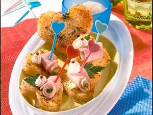 Kasseler-Röllchen auf Brot-Herzen Rezept
