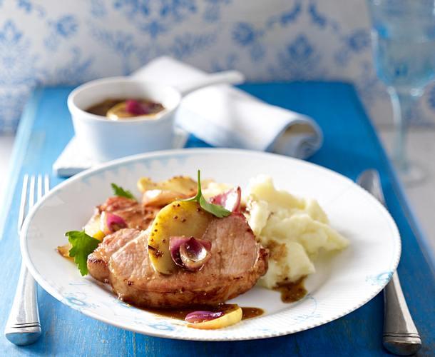 Kasseler-Steak mit Apfel-Zwiebel-Senfsoße und Kartoffelpüree Rezept