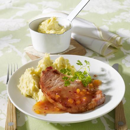 Kasseler-Steaks mit Aprikosen-Mango-Chutney zu Kartoffelstampf Rezept