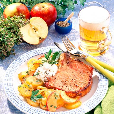 Kasselerkotelett mit Kartoffel-Apfelgemüse Rezept