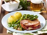 Kasselerkotelett mit Preiselbeer-Camembert-Füllung Rezept