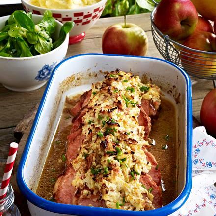Kasserlerkoteletts mit Apfel-Vinschgauer-Bröselkruste Rezept