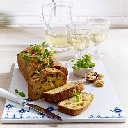 Kastenkuchen mit Walnüssen, Gouda und Oregano Rezept