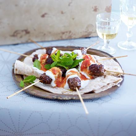 Kebab mit Joghurt und Tomatensoße Rezept