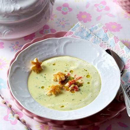 Kerbel-Cremesuppe mit Flusskrebsfleisch Rezept